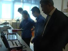 微机继电保护测试仪|领导视察工作
